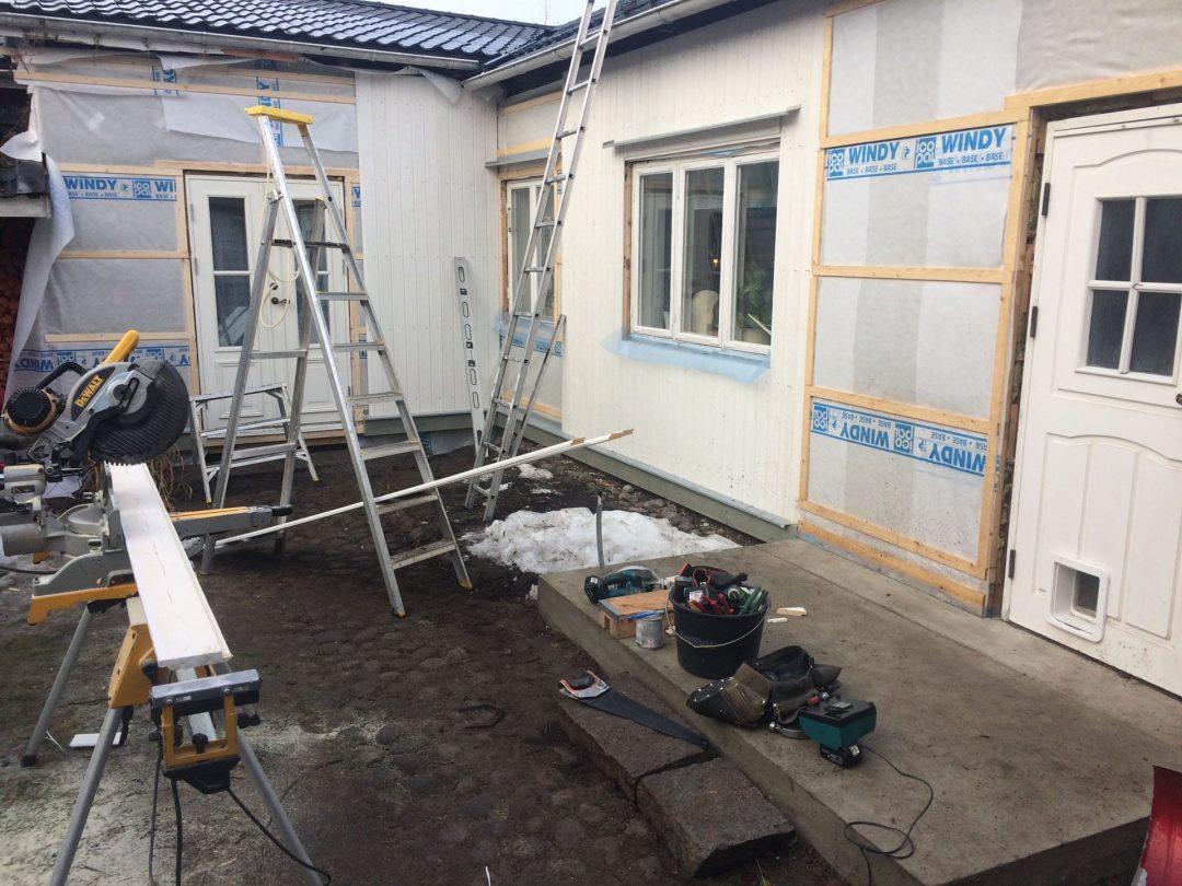 Byte av panel och tilläggsisolering på Lotsgatan Hudiksvall
